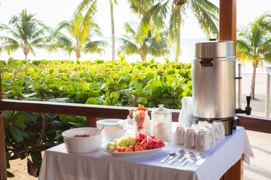 Breakfast-made-to-order---St.-Georges-Caye-Resort---Belize---S